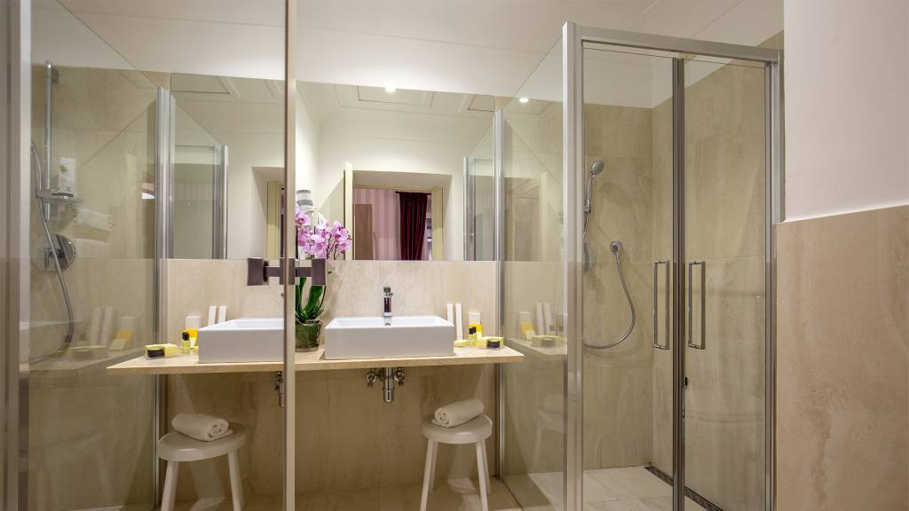 Hotel-Nord-Nuova-Roma-hotel-termini-station-rooms-IMG-0976