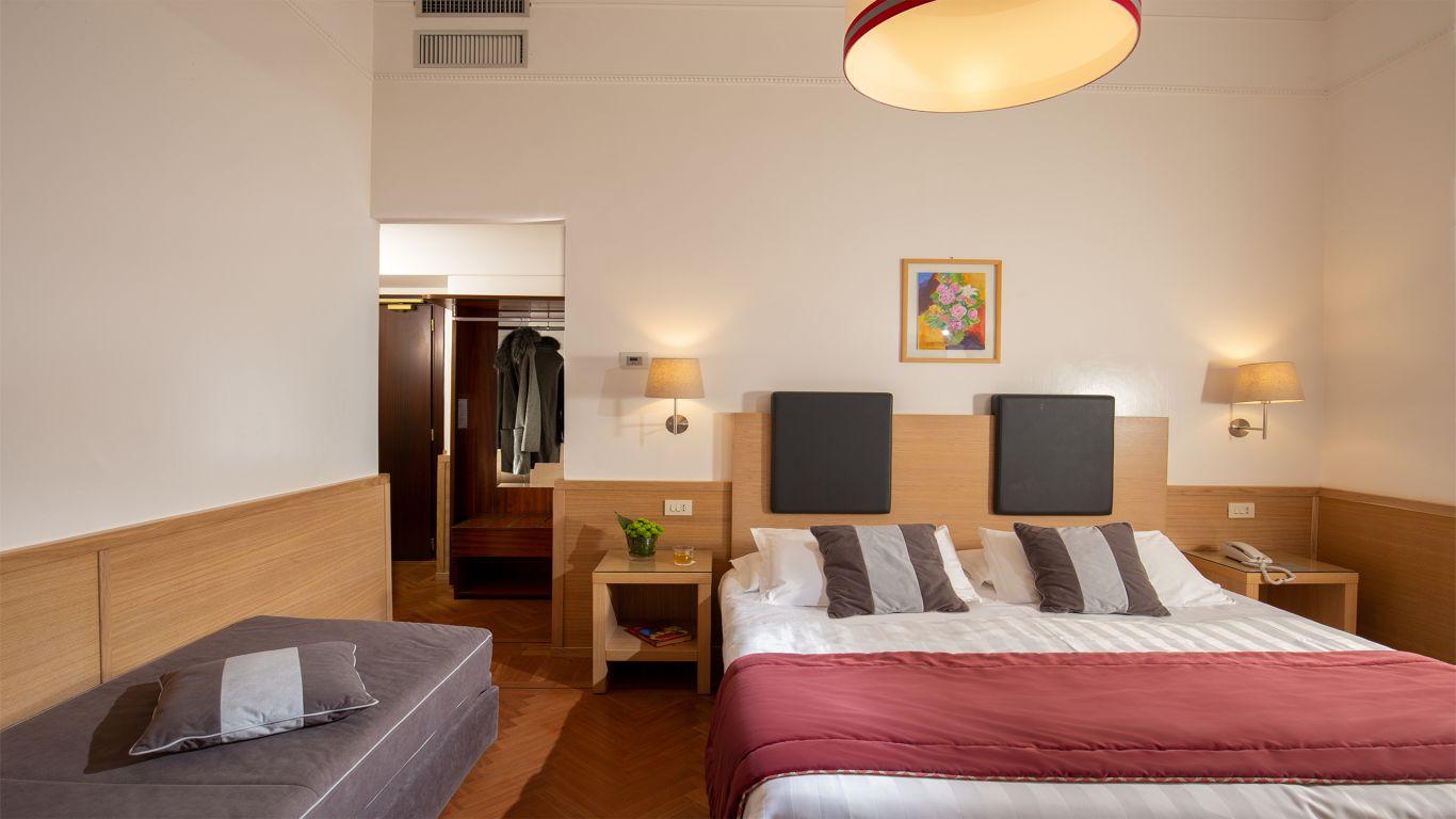 Hotel-Nord-Nuova-Roma-hotel-termini-station-rooms-IMG-0658